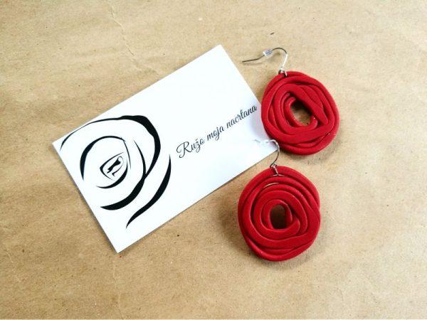 Naušnice Ruža Nacrtana svojim oblikom podsjećaju na cvijet ruže