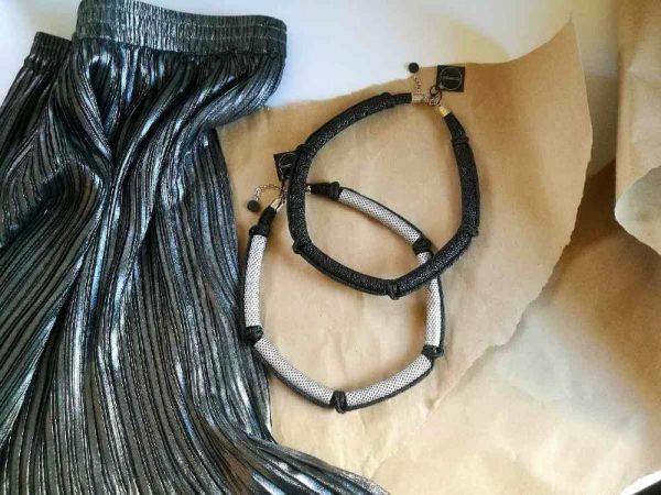 Suvremena ženska ogrlica Five presvučena visokokvalitetnom eko kožom