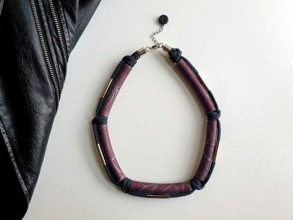 Suvremena ogrlica Five Metal od eko kože s metalnim detaljima