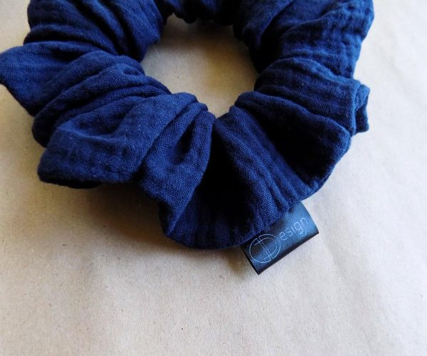 Oversize scrunchie plava gumica za kosu