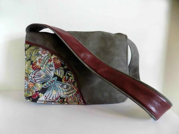 Ženska torba Leptir od sive eko kože s motivom leptira